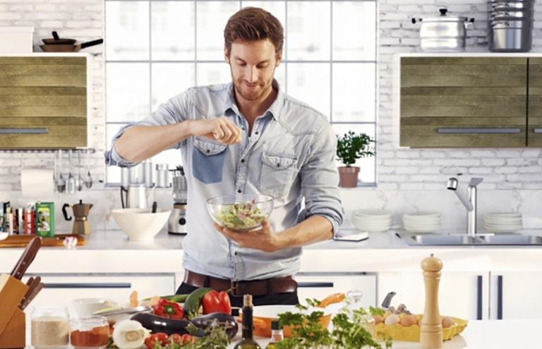 Xây dựng chế độ dinh dưỡng và sinh hoạt hợp lý giúp nâng cao sức đề kháng để cơ thể