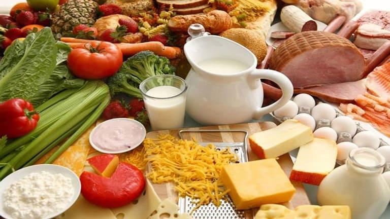 Ăn uống đủ chất để phòng và điều trị hạ đường huyết