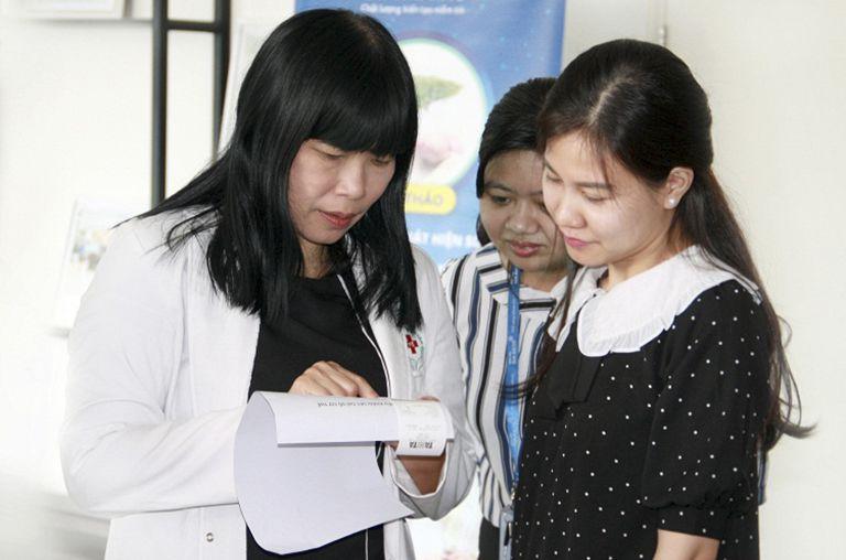 Đội ngũ bác sĩ của bệnh viện có trình độ chuyên môn cao và luôn tận tâm với nghề