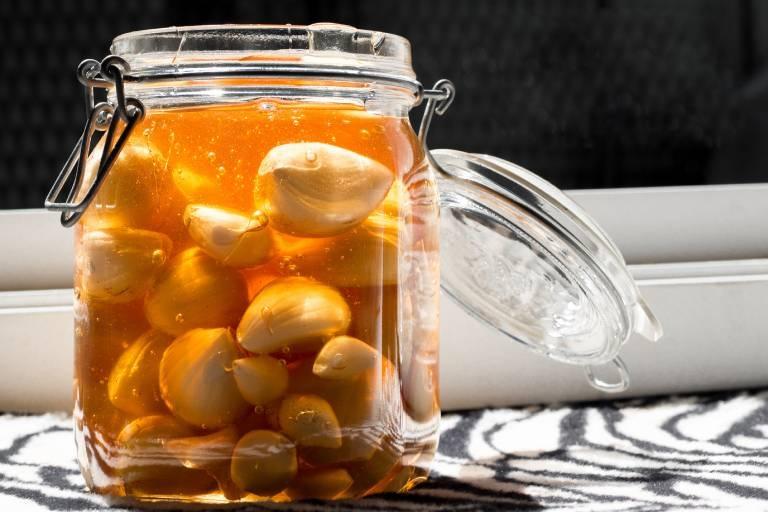 Cách chữa đau dạ dày bằng mật ong và tỏi