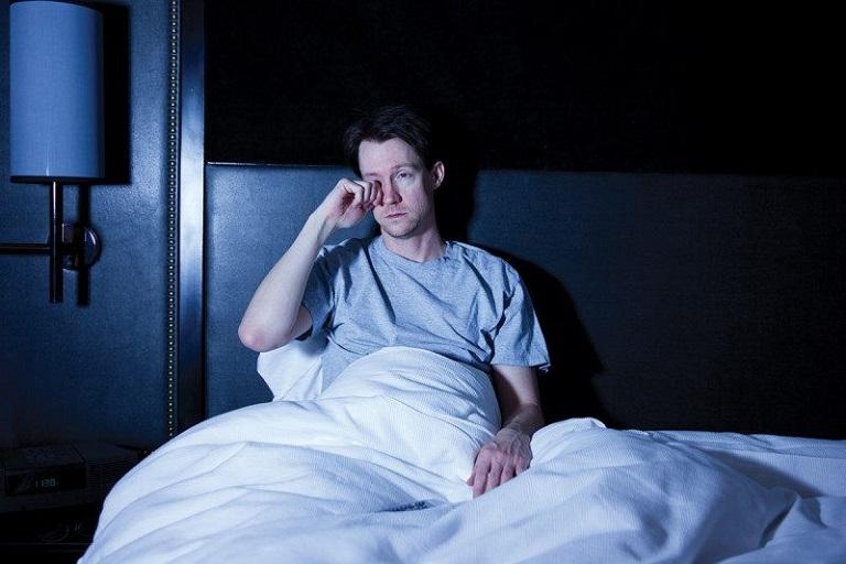 cách trị mất ngủ cho người trẻ tuổi