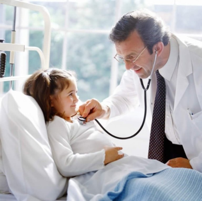 Nếu bị ho kéo dài nhất là trẻ nhỏ thì nên nhanh chóng thăm khám bác sĩ
