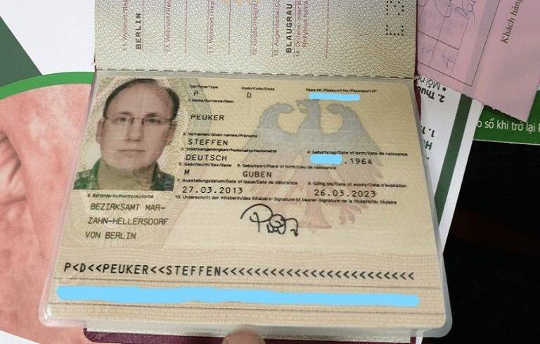 Hộ chiếu của bệnh nhân Peuker Steffen