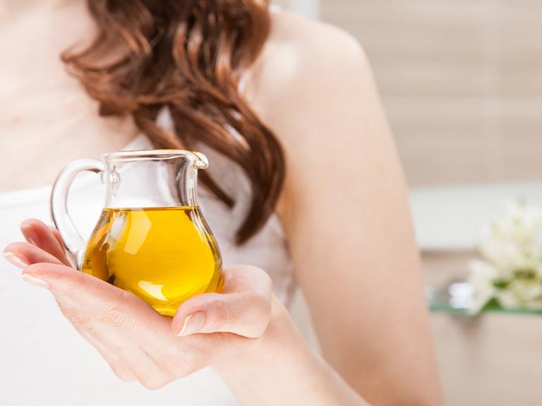 Cơ chế hoạt động của dầu gội trị gàu và rụng tóc