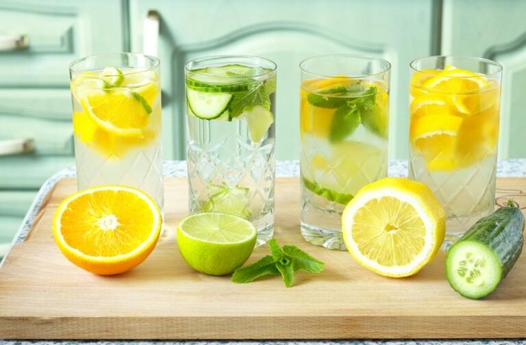 Nước cốt chanh tốt cho tiêu hóa và lợi tiểu