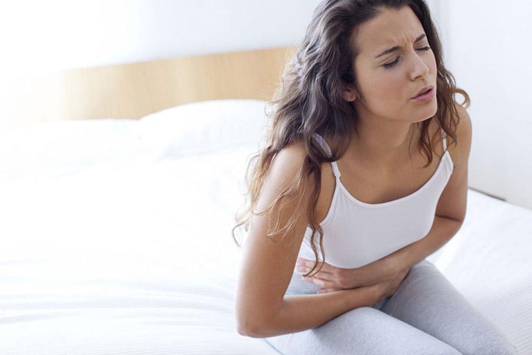 đau bụng kinh buồn nôn