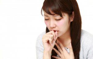 Ho khan là tình trạng ho không có đờm, khô rát cổ và kéo dài trong nhiều ngày.