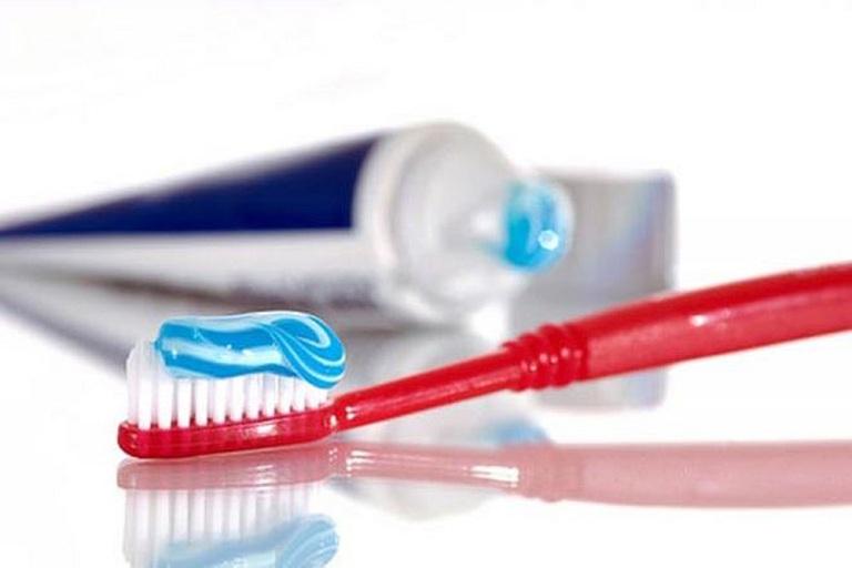 kem đánh răng trị hôi miệng