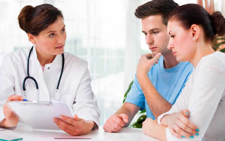Khi bị sùi mào gà bạn nên đến cơ sở y tế uy tín để tiến hành điều trị bệnh tận gốc và khoa học