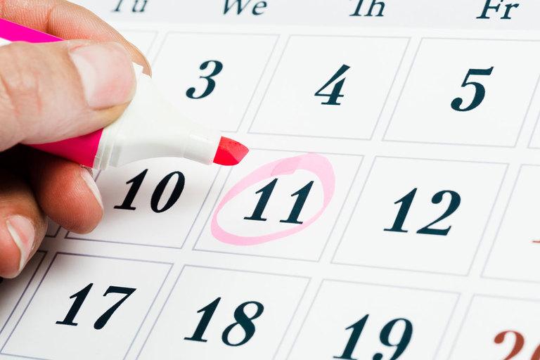 Máu kinh ra thành từng mảng có thể chỉ là hiện tượng sinh lý bình thường nếu xuất hiện vào vài ngày cuối chu kỳ