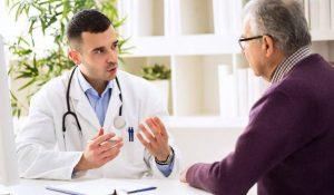 Khi bị mất ngủ, người bệnh nên thăm khám bác sĩ để có biện pháp điều trị phù hợp