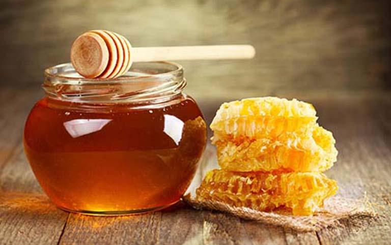 Mật ong là một loại kháng sinh tự nhiên, có tác dụng điều trị nhiều bệnh lý về đường hô hấp