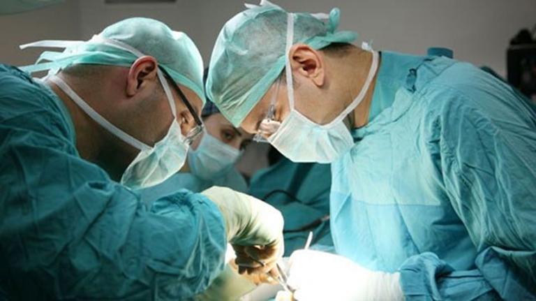 Điều trị ngoại khoa thường được áp dụng cho những trường hợp trĩ ngoại tắc mạch nặng