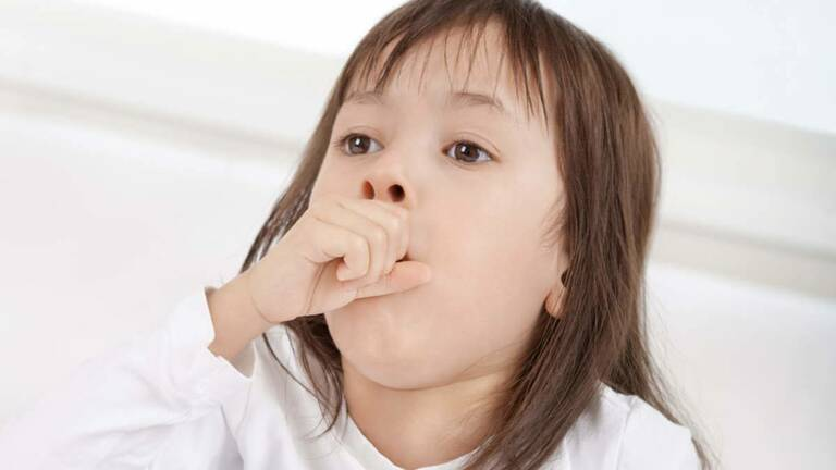 Ho khan ở trẻ thường có nguyên nhân do virus