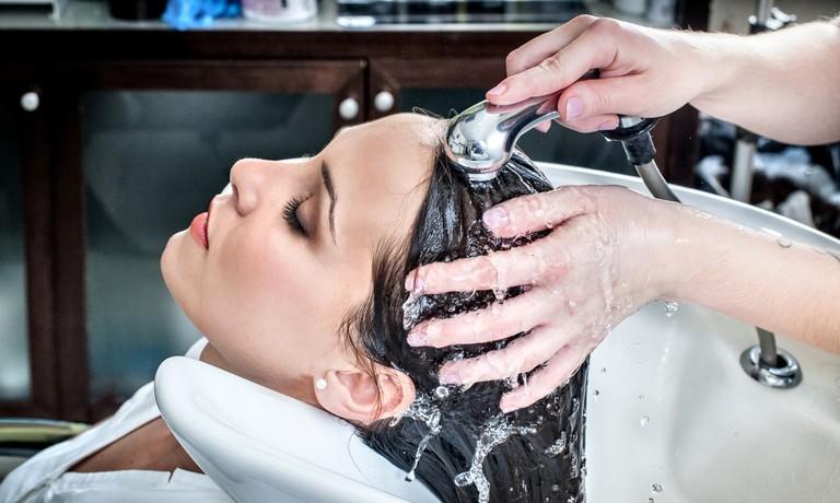 nguyên nhân rụng tóc theo mùa