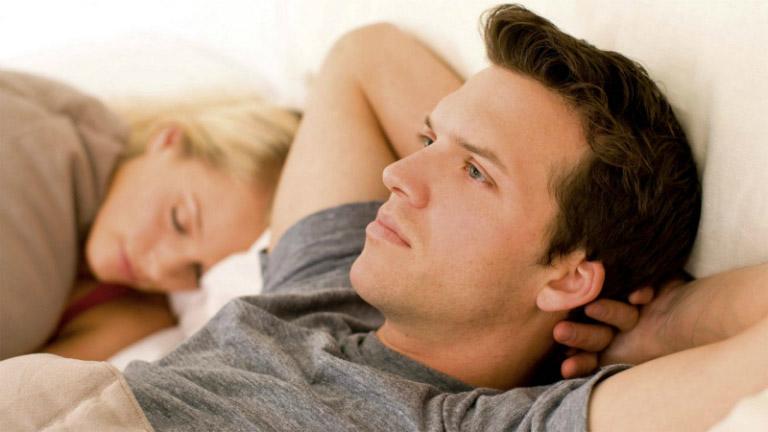Thủ dâm thường xuyên có thể gây ra rối loạn cương dương.