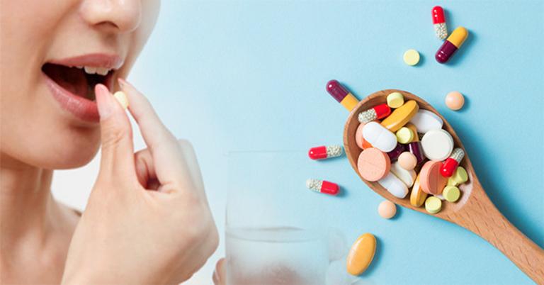 Sử dụng thuốc Tây để cải thiện triệu chứng ợ chua rất hiệu quả