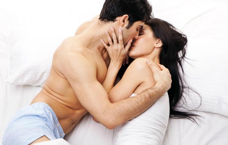 Virus HPV dễ xâm nhập vào cơ thể nhất qua đường tình dục, gây ra bệnh sùi mào gà.