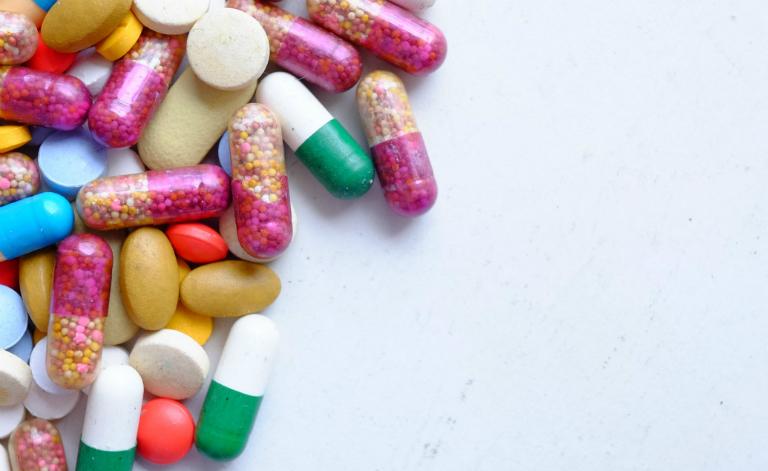 Bệnh nhân sùi mào gà giai đoạn đầu, có thể điều trị bằng thuốc uống, thuốc bôi.