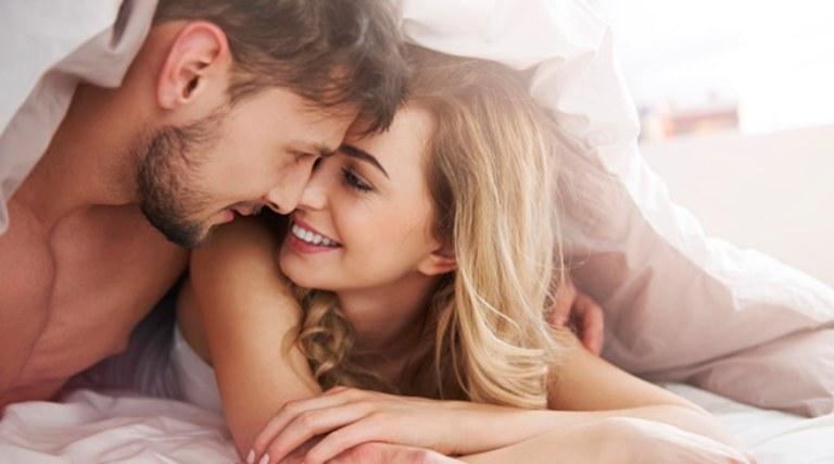 Quan hệ tình dục an toàn, chung thủy một bạn tình là cách phòng ngừa tốt nhất