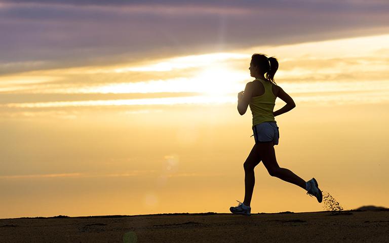 Tăng cường luyện tập thể dục giúp nâng cao sức đề kháng, khả năng chống chọi lại bệnh tật