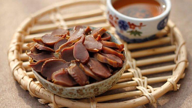 Mề gà nấu đậu đỏ là món ăn bài thuốc chữa bệnh tiểu nhiều do thận yếu hiệu quả