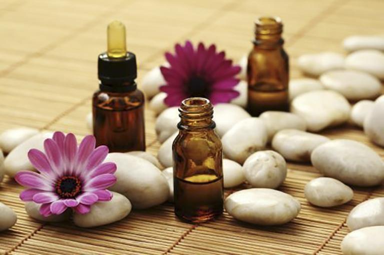 Thuốc bôi mọc tóc là sản phẩm hỗ trơ kích thích mọc tóc được nhiều người sử dụng hiện nay