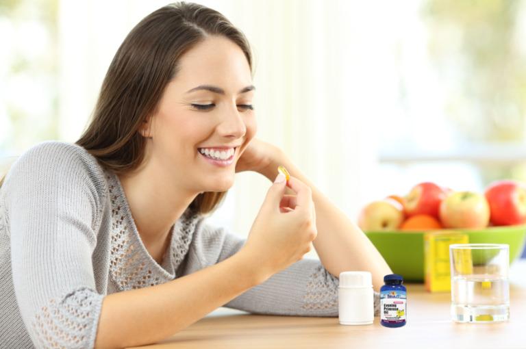 So với thuốc thì thực phẩm chức năng giúp phụ nữ kéo dài thời gian hồi xuân được sử dụng phổ biến hơn
