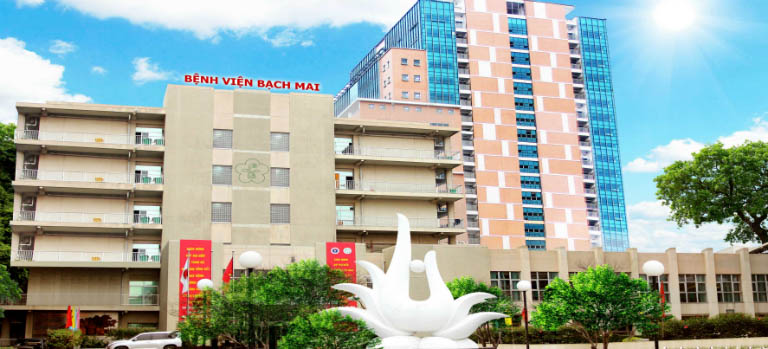Trị viêm lỗ chân lông tại bệnh viện Bạch Mai