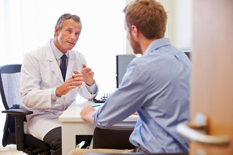 Điều trị bệnh lậu cần tuân thủ theo chỉ định và phác đồ điều trị của bác sĩ chuyên khoa