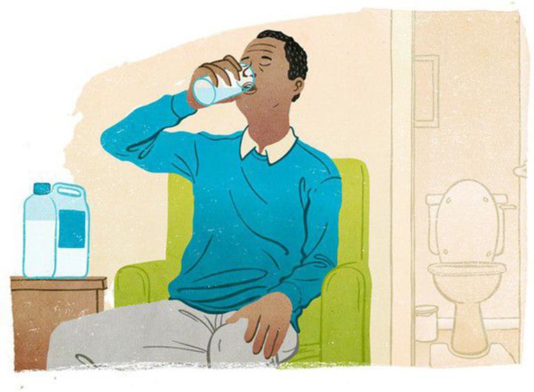Sau khi uống thuốc xổ để nội soi đại tràng người bệnh không được ăn bất cứ thứ gì, chỉ có thể uống nước