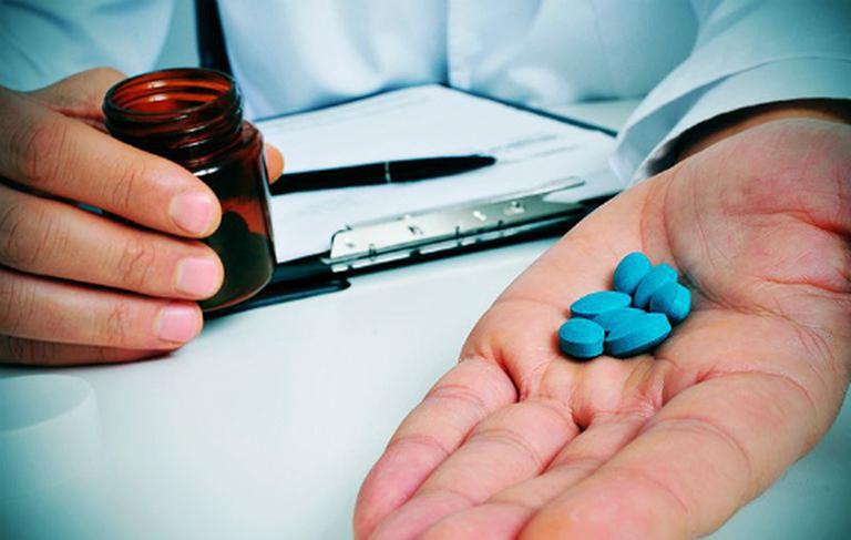 Điều trị hẹp thực quản bằng thuốc giúp hạn chế các triệu chứng của bệnh