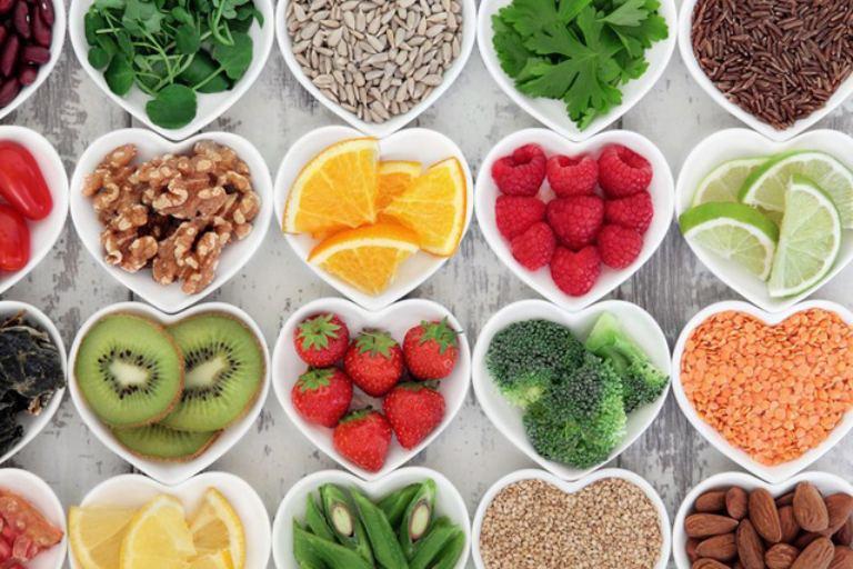 Tăng cường ăn rau củ quả, trái cây giàu chất chống oxy và vitamin rất tốt cho cơ thể