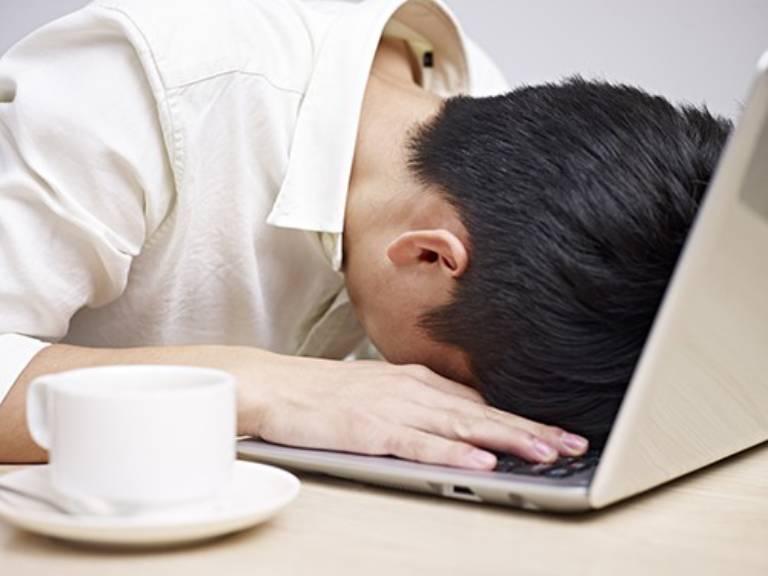 Căng thẳng, mệt mỏi, áp lực kéo dài là nguyên nhân gây bệnh thường gặp