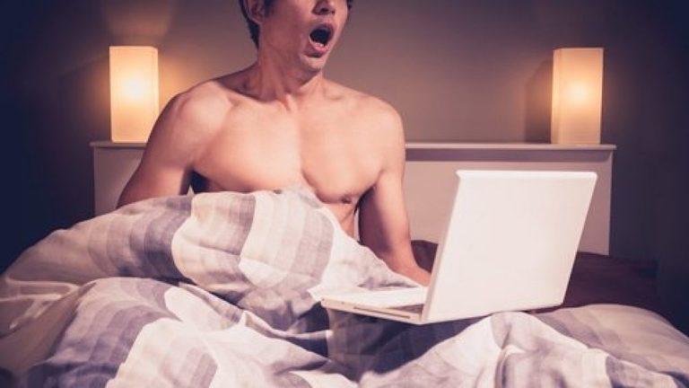 Thủ dâm không xấu nhưng lạm dụng việc này có thể dẫn đến xuất tinh sớm