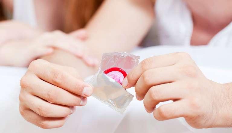 Bao cao su có tác dụng phòng tránh thai và ngăn ngừa một số căn bệnh lây qua đường tình dục.