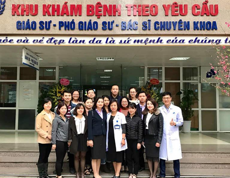 Bệnh viện Da liễu TW là nơi quy tụ đội ngũ bác sĩ, tiến sĩ có chuyên môn cao, nhiều năm kinh nghiệm trong công tác khám, điều trị bệnh về da.
