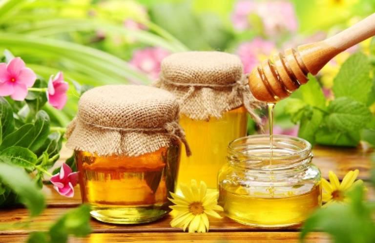 Mật ong có tác dụng tốt trong việc hỗ trợ chữa viêm đại tràng