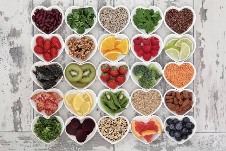 Sử dụng nhiều các thực phẩm giàu chất xơ là một trong những cách làm sạch đại tràng không thể bỏ qua