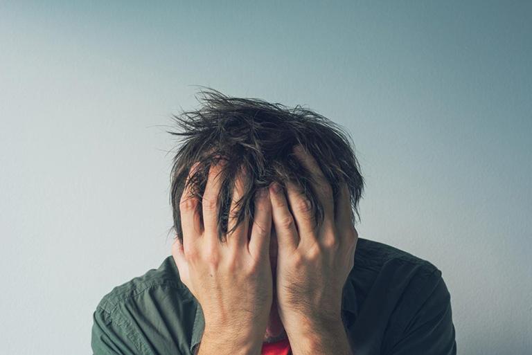 đau đầu vùng trán là bệnh gì