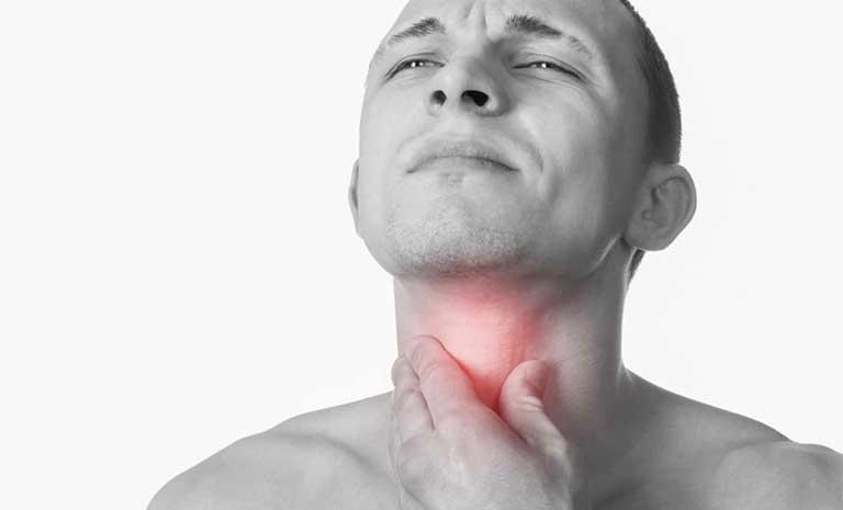 ung thư vòm họng gây ngứa họng