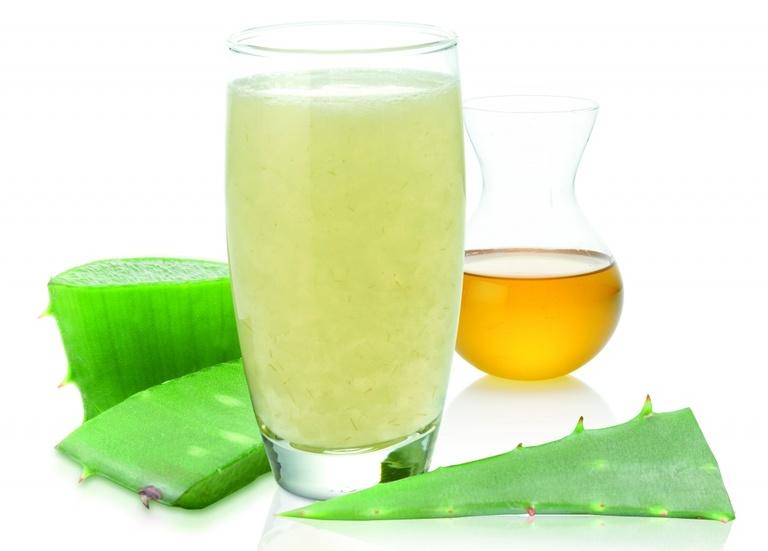 Dùng nước nha đam khi đau dạ dày kết hợp với táo bón