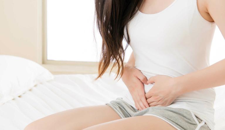 Uống tinh trùng có thể khiến bạn đau bụng vì đưa vi khuẩn vào đường tiêu hoá.