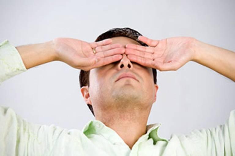 Thiểu năng tuần hoàn não cũng là một trong những nguyên nhân gây buồn nôn chóng mặt vào buổi sáng