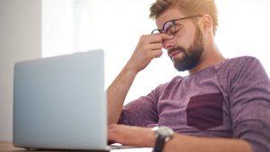 Stress, căng thẳng quá mức trong cuộc sống có thể gây ra bệnh đau dạ dày.