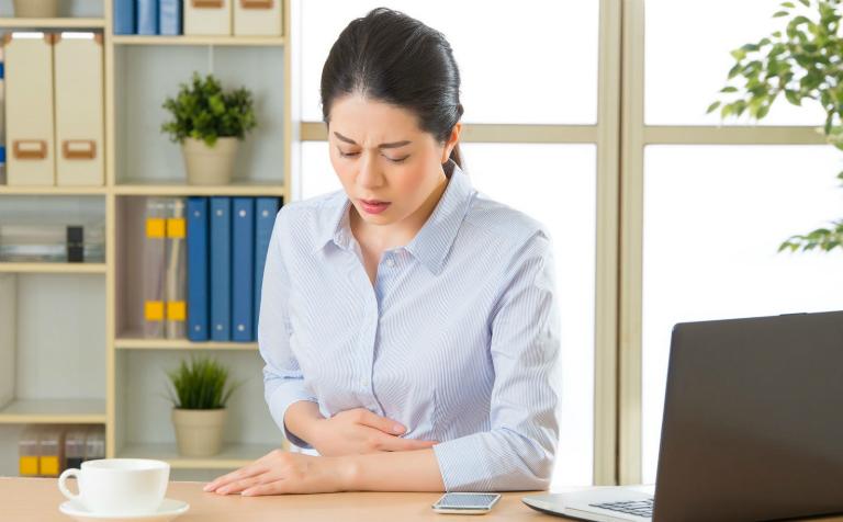 Đau dạ dày là tình trạng dạ dày bị tổn thương do viêm loét. Người bệnh sẽ cảm thấy đau nhói, khó tiêu,...