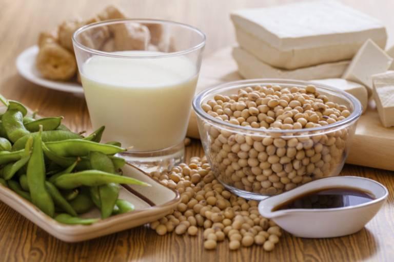 nên ăn đậu nành và các chế phẩm từ đậu nành