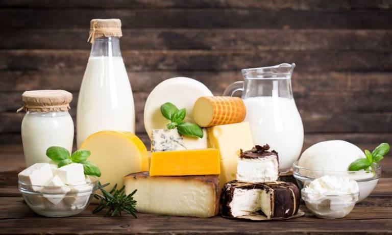 Sữa và các sản phẩm từ sữa cũng là một trong những thực phẩm có nguy cơ gây táo bón cao