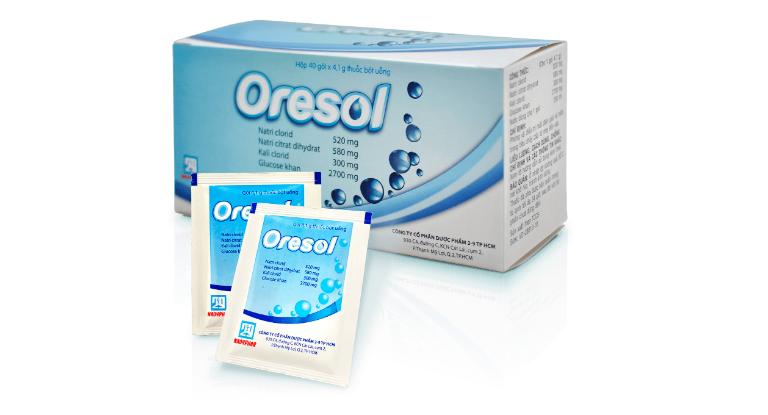 Thuốc Oresol là dạng bột pha uống giúp bù nước, bù chất điện giải cho cơ thể.