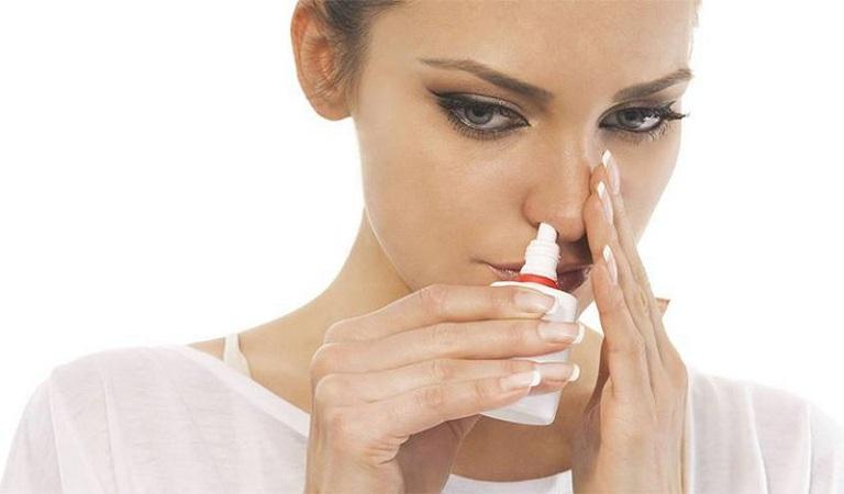 Thuốc xịt thường được chỉ định trong điều trị viêm xoang nhằm mục đích giảm nghẹt mũi